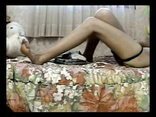 Мастурбация молоденькой телочки, снятая скрытой камерой